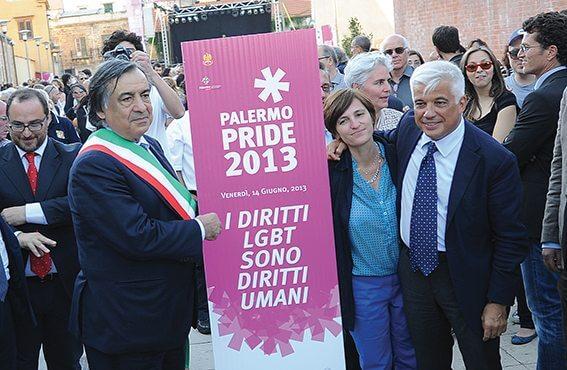 Il sindaco Leoluca Orlando al Pride di Palermo.