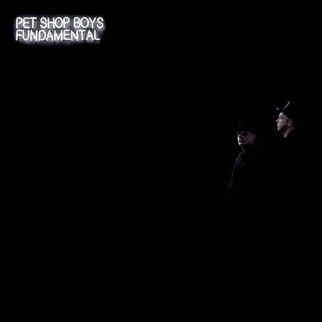 """Copertina dell'album """"Fundamental"""" del duo synth-pop britannico dei Pet Shop Boys. L'album, uscito nel 2006, è dedicato a Mahmoud Asgari e Ayaz Marhoni, due adolescenti giustiziati il 19 luglio del 2005 in Iran, per via della loro omosessualità."""