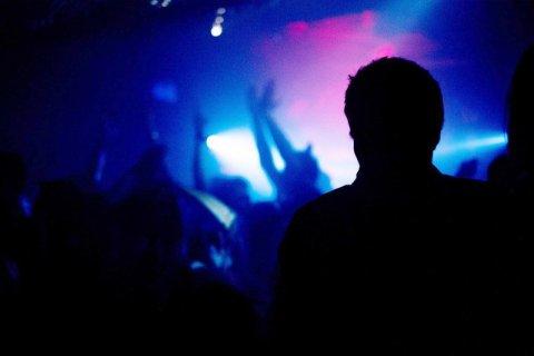 omofobia discoteca