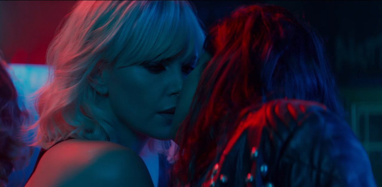 Charlize Theron sesso lesbico
