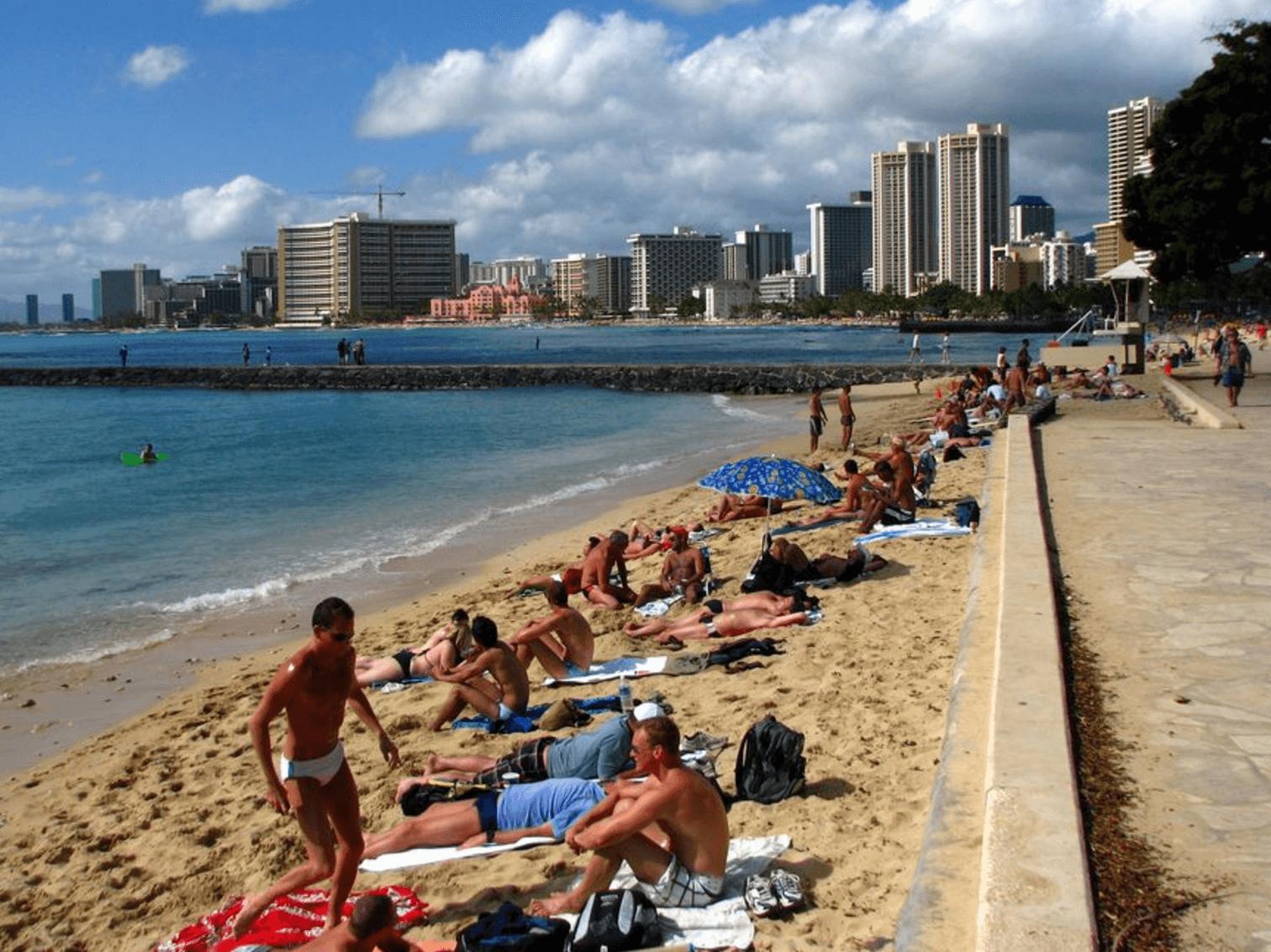Queen's Surf Beach, Hawaii