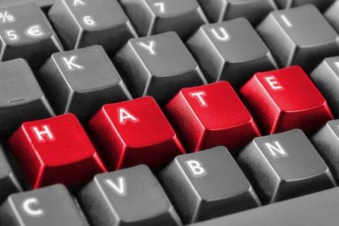 hate speech odio online twitter omofobia social