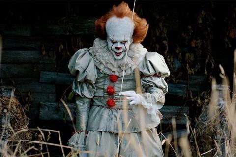 gay clown sesso