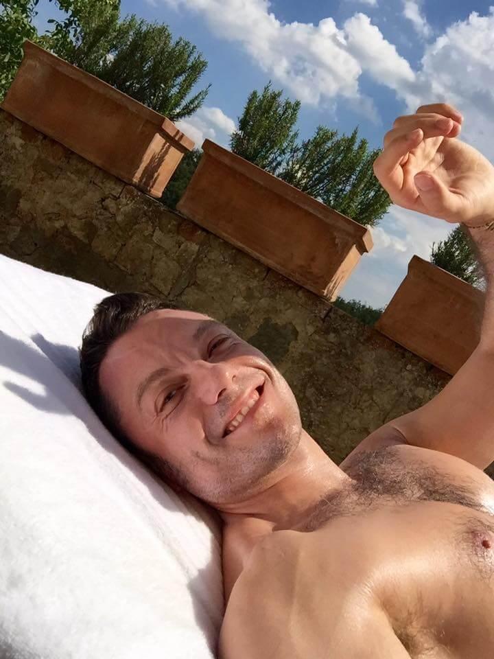 Tiziano Ferro, icona gay amata da tutta la comunità LGBT