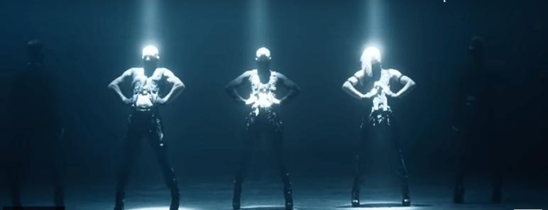 Kazaky in uno delle scene del nuovo videoclip