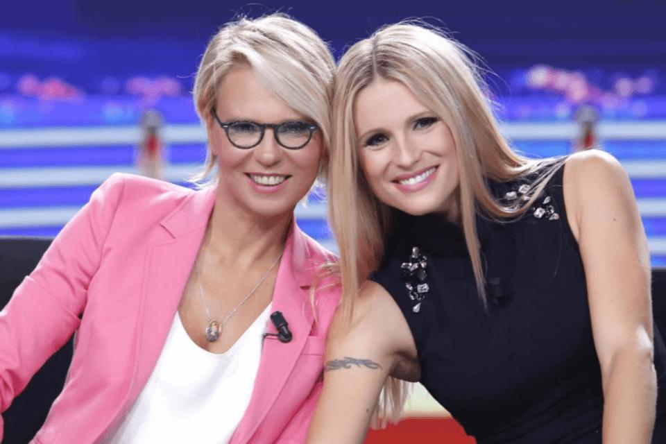 Maria De Filippi e MIchelle Hunziker conducono Amici Celebrities 2019