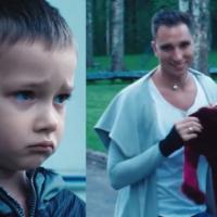 Russia, l'indecente spot che attacca le famiglie arcobaleno – video