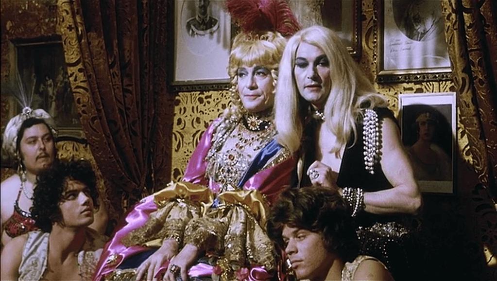 Splendori e miserie di Madame Royale, esce il libro che celebra il primo film italiano con protagonista gay (vlcsnap 2016 09 30 18h15m57s543)
