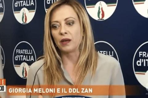 Messina, il libro di Giorgia Meloni a scuola diventa un caso