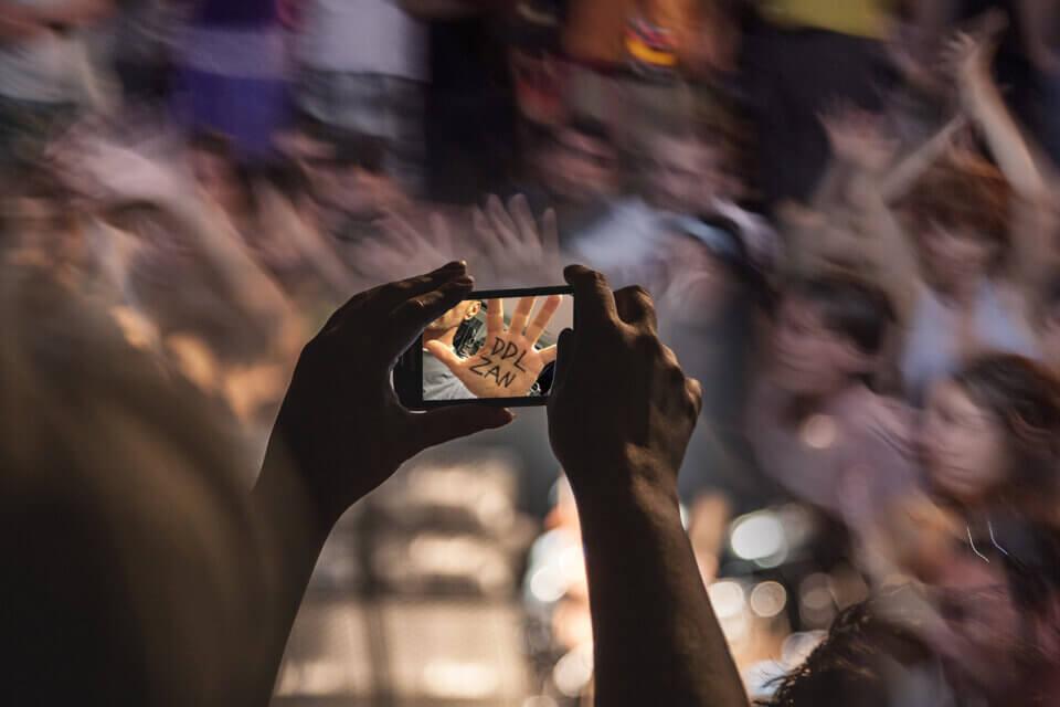 Postare sui social media non vi rende attivisti: il pericolo dell'attivismo performativo (attivismo performativo)