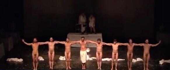 jan_fabre_spettacolo_teatrale_ballerini_nudi